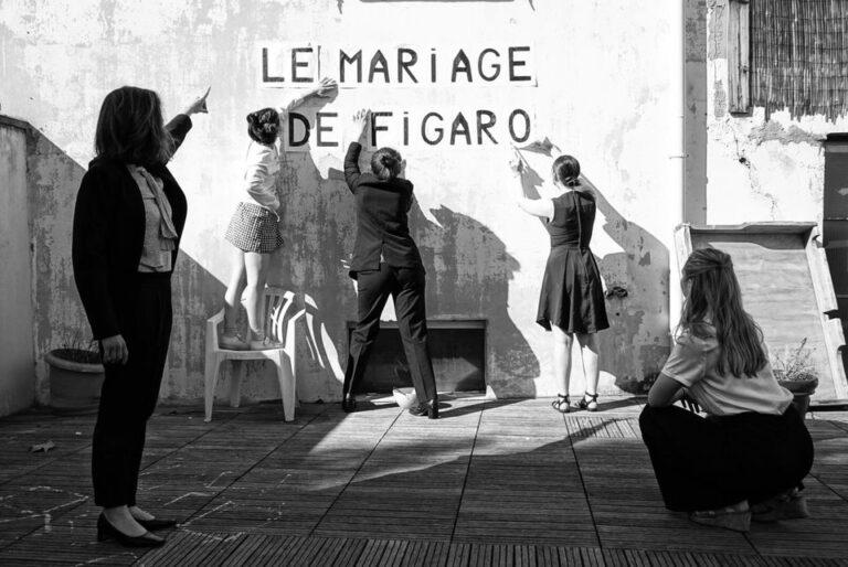 La Mariage de Figaro dans le parc de l'Auberge